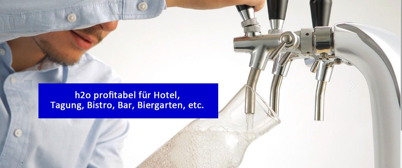 Ausschank von Tafelwasser am Wasserspender in Bar, Restaurant, Hotelküche